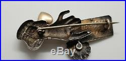 ANTIQUE 1900s VICTORIAN STERLING GOLD PLATED HEART FLOWERS HAND BROOCH