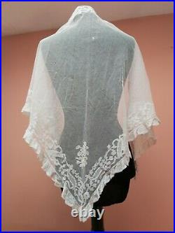 ANTIQUE LACE SHAWL TRIANGLE HAND EMBROIDERY FINE TULLE 1800s vintage original