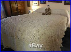 Antique Vintage Hand Crocheted Cotton Bed Coverlet Bedspread Floweretts 72x85