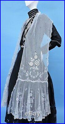 Victorian 19th C Hand Made Tambour Lace Shawl 4 Dress W Unusual Black Outline