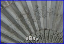 Victorian Antique French Carved Cow Bone Ladies Hand Fan Embroidered Silk Flower
