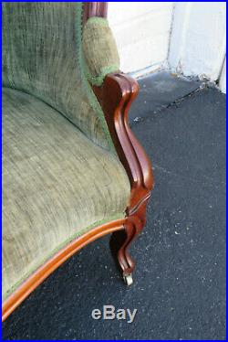 Victorian Late 1800s Hand Carved Walnut Love Seat Settee 9750